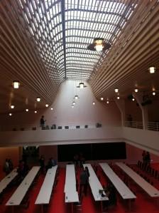 Lichtdurchflutet: Das große Saal im Spitalhof Stuttgart.